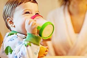 医治幼儿白癜风应该怎样做呢