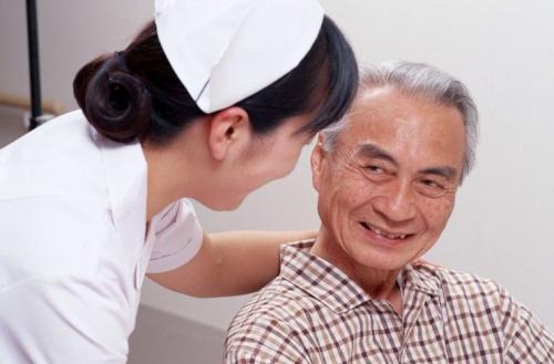 老年白癜风患者如何保养呢